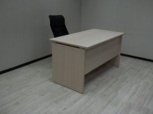 Стол офисный