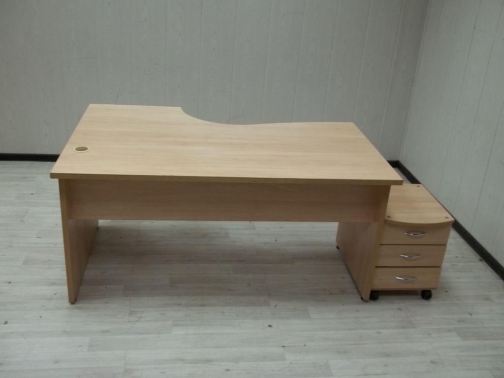 Картинка эргономичного стола с тумбой