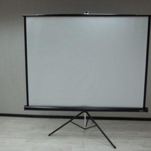 Экран напольный DA-LITE бу